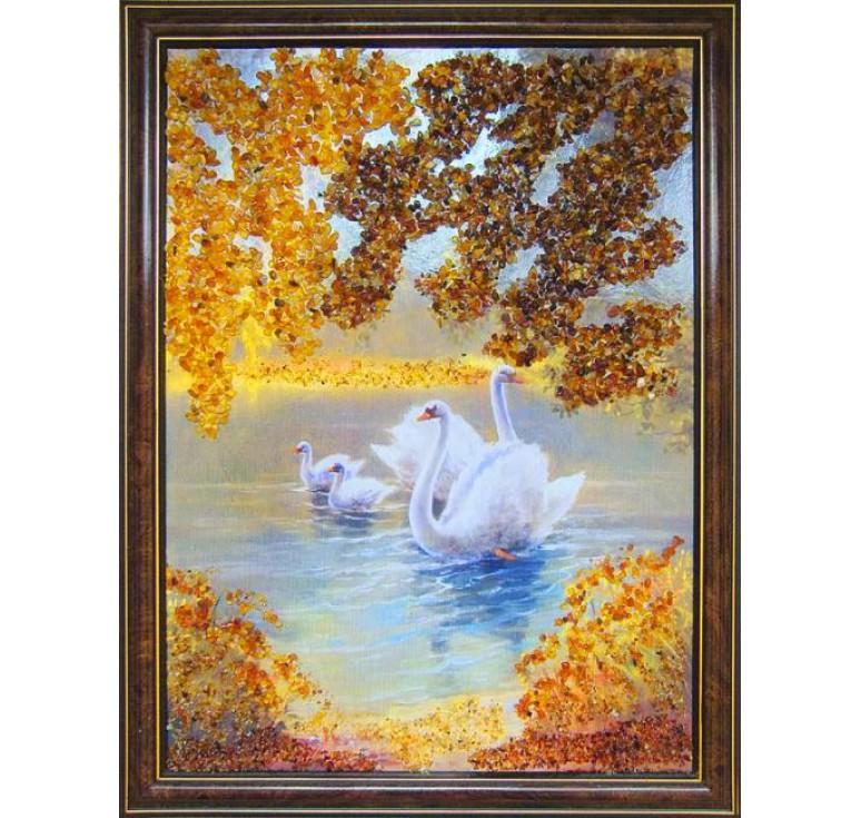 Картина из янтаря лебеди в пруду